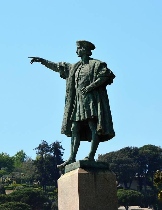 Kryštof Kolumbus - muž, o němž se učí každý školák. Jeho život je ale obestřen mnoha tajemstvími.