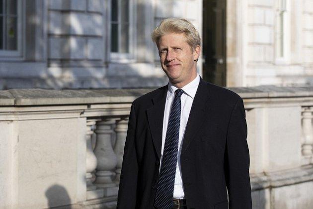 Náměstek britského ministra dopravy Jo Johnson rezignoval