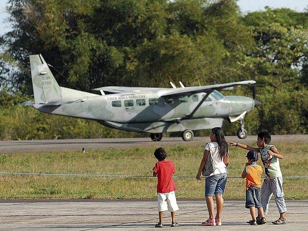Letoun C-98 Caravan brazilské armády na letišti v Manausu. Ilustrační foto.