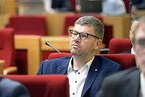 Zastupitel Jiří Pospíšil na jednání zastupitelstva hlavního města 17. října 2019 v Praze
