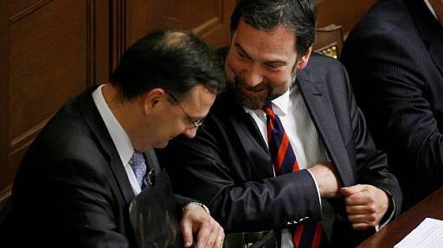 Premiér Petr Nečas a ministr vnitra Radek John