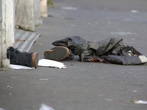 Na pařížském stationu Stade de France, který byl jedním zmíst pátečních atentátů, se našel syrský pas jednoho útočníka.