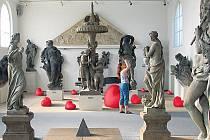 Srdce - tak se jmenuje práce sochaře Kurta Gebauera instalovaná v prostředí Lapidária Národního muzea.