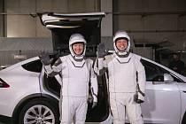 Společnost SpaceX se nadcházející týden pravděpodobně stane první soukromou společností, která vynese astronauty na oběžnou dráhu.