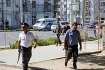 Po pátečních násilnostech v Tádžikistánu, při kterých podle tamních úřadů zahynulo osm policistů a devět vojáků, dnes zůstává situace napjatá.