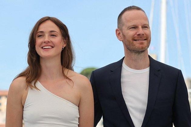 Joachim Trier a Renate Reinsve na premiéře vCannes