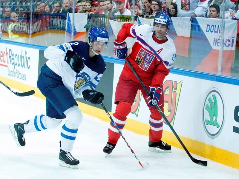 Čtvrtfinálová bitva mezi Českem a Finskem: Jaromír Jágr u mantinelu