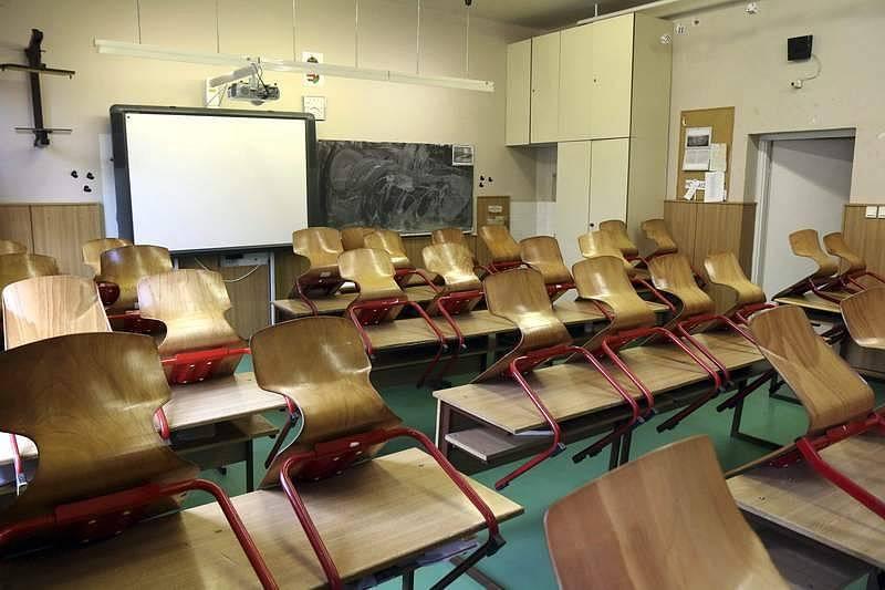 Školy se zavřely v březnu