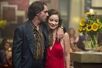 VINYL. Idyla s manželkou. Richie bude mít ovšem co dělat, aby svůj vztah udržel (Bobby Cannaval a Olivia Wilde).