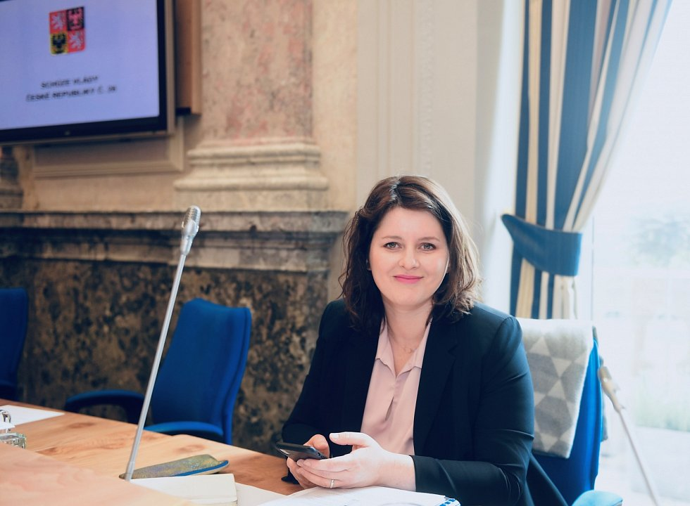 V politice neexistuje jen jeden mužský a jeden ženský přístup, říká ministryně práce a sociálních věcí Jana Maláčová.