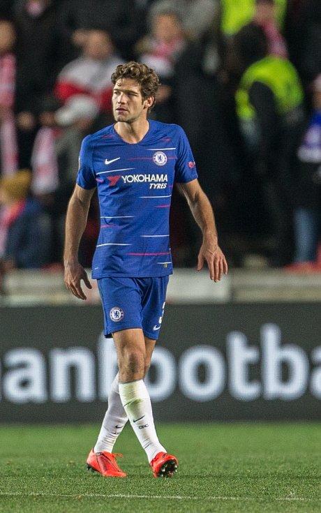 První utkání čtvrtfinále Evropské ligy mezi Slavií a Chelsea. Marcos Alonso.