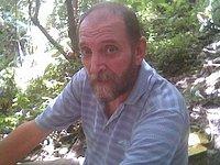 Snímek Giancarla Bossiho pořízený únosci kdesi ve filipínské džungli