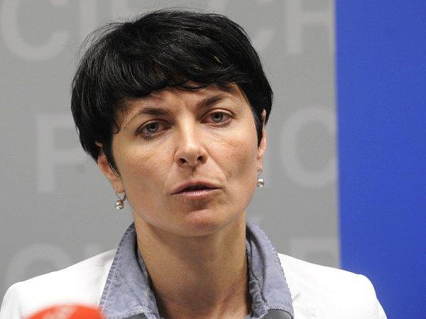 Ústecká krajská státní zástupkyně Lenka Bradáčová vystoupila 15.května vPraze na tiskové konferenci kzadržení poslance za ČSSD Davida Ratha a dalších sedmi lidí.