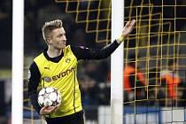 Marco Reus z Dortmundu se raduje z gólu proti Neapoli.