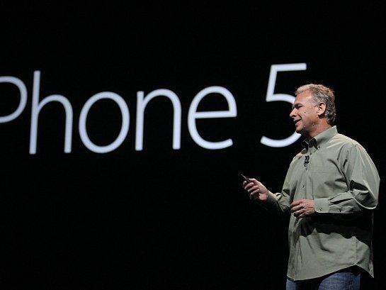 Společnost Apple v San Francisku představila nový iPhone 5