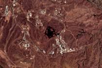 Satelitní snímek ukazuje místo silného výbuchu, který v pátek ráno otřásl Teheránem