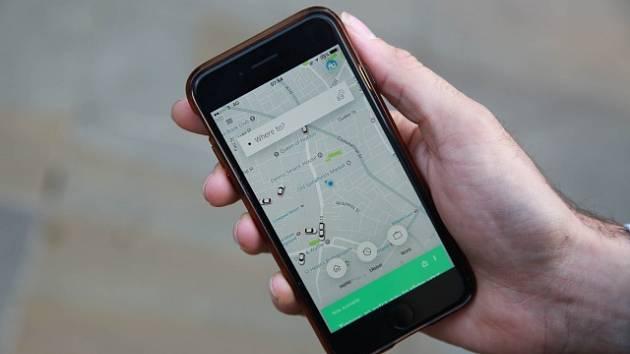 Přepravce Bolt míří do Brna a přidá se k Uberu. Taxikáři si zoufají
