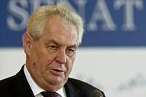 Prezident republiky Miloš Zeman vystoupil 25. června v Senátu v Praze s projevem na semináři k 20. výročí Nejvyššího kontrolního úřadu (NKÚ).