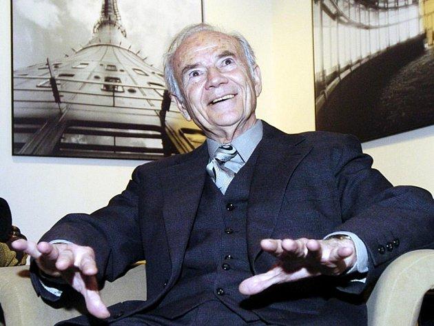 Jeden z nejvýznamnějších českých architektů Karel Hubáček.