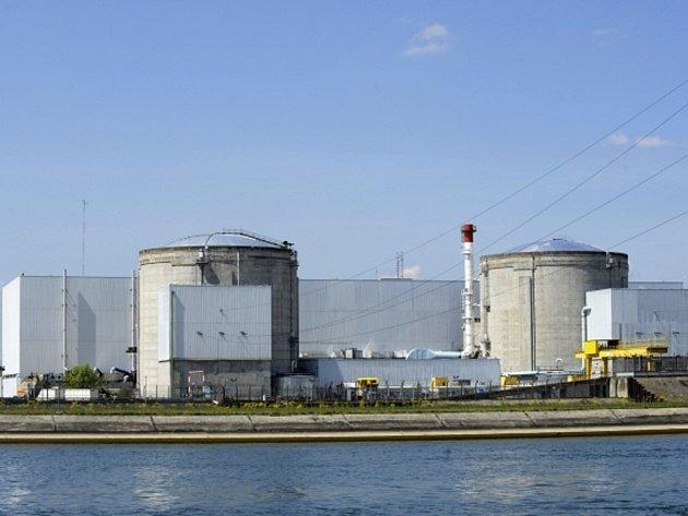 Nejstarší jaderná elektrárna ve Francii Fessenheim byla dnes odstavena z provozu. Důvodem je nehoda v elektrárně, v části mimo reaktor.