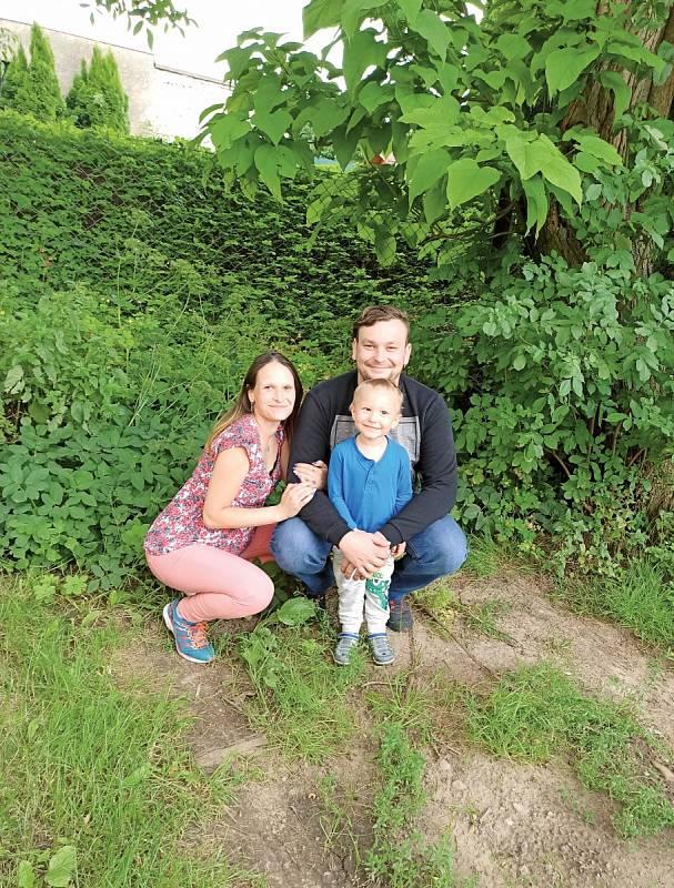 Zatím jsme tři, ale už v září by se měl Marečkovi narodit sourozenec.