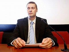 Z tiskové konference, na níž poslanec ODS Jan Morava oznámil, že složil mandát