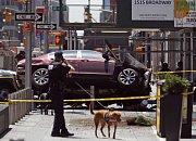 Incident na Times Square v New Yorku. Auto najelo do lidí