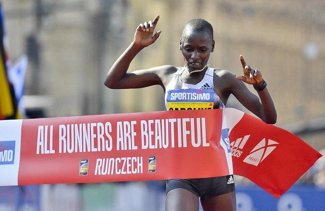 Vítězka Pražského půlmaratonu Caroline Kipkiruiová