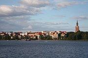 Město Ełk na stejnojmenném jezeře