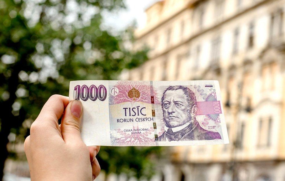 Polovina Čechů si vydělá 29 tisíc korun čistého
