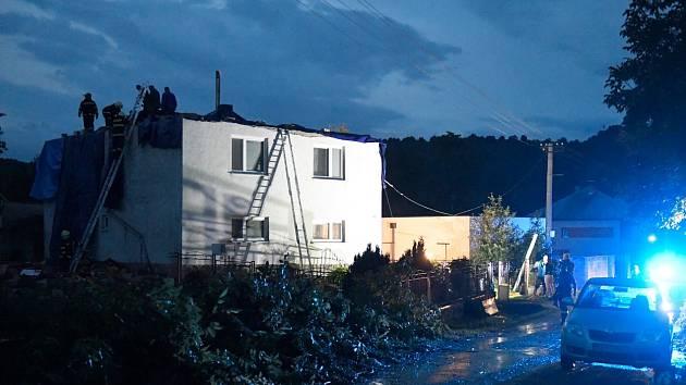 Tornádo zasáhlo část slovenské obce Petkovce