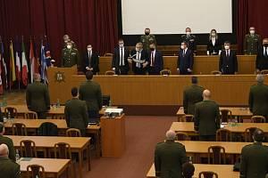 Velitelské shromáždění náčelníka generálního štábu Aleše Opaty k objasnění priorit a hlavních úkolů armády v roce 2021 se konalo 24. listopadu 2020 v Praze za účasti prezidenta Miloše Zemana (uprostřed) a preméra Andreje Babiše.