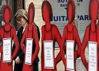 Kampaň proti domácímu násilí sdružení Rosa.