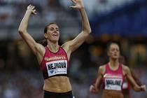 Překážkářka Zuzana Hejnová ovládla závod Diamantové ligy v Londýně v českém rekordu.