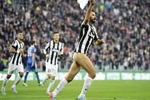 Mirko Vučinič z Juventusu Turín oslavil gól po svém, stáhl si trenky.