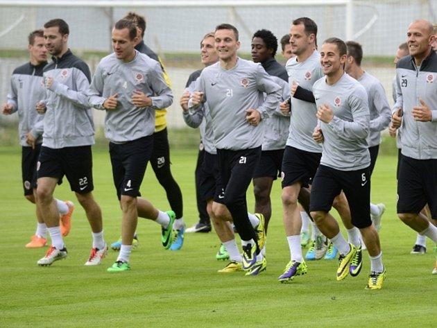 Fotbalisté Sparty na tréninku.