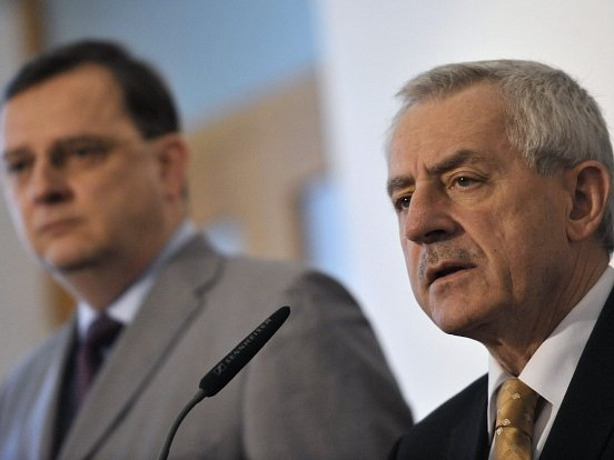 Premiér Petr Nečas a ministr zdravotnictví Leoš Heger