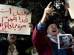 Palestinci protestují proti příjezdu kanadského ministra. Nelíbí se jim kanadská podpora Izraele.