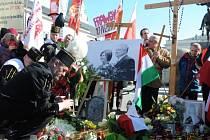 Polsko vzpomíná na oběti smolenské letecké katastrofy z roku 2010. Ilustrační foto