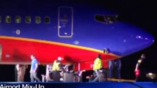 Letadlo společnosti Southwest Airlines přistálo na nesprávném letišti.