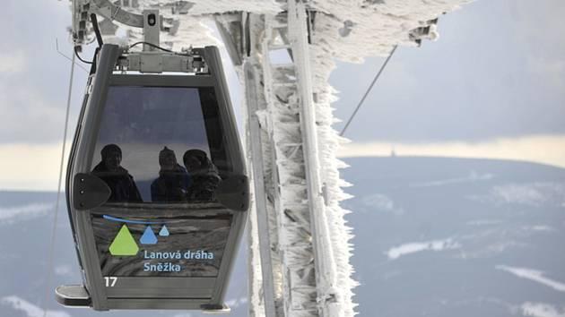 Lanovka na nejvyšší českou horu Sněžku.