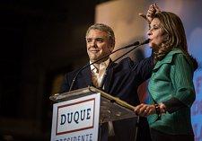 Iván Duque byl zvolen novým prezidentem Kolumbie.