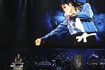 Zpěvačka Queen Latifahová označila Jacksona za největší hvězdu na světě