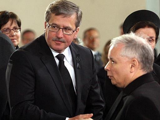 Bronislaw Komorowski a Jaroslaw Kaczynski