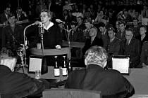 Milada Horáková, politická pracovnice, oběť vykonstruovaných procesů 50.let  - vypovídá před státním soudem (popravena 27.6.1950).