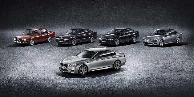 BMW M5 ve výroční edici 30Jahre M5.