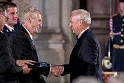 Prezident Miloš Zeman na státní svátek 28. října předával státní vyznamenání ve Vladislavském sále Pražského hradu. Stoklásek