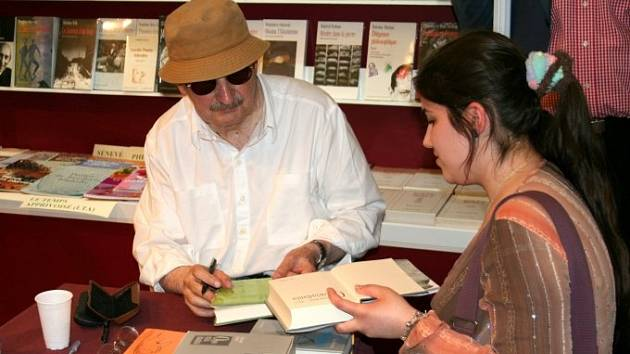 Spisovatel Sławomir Mrożek v roce 2006