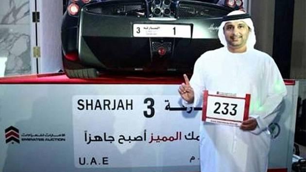 Arif Ahmad Al Zarouni zaplatil za speciální SPZ v přepočtu skoro 117 milionů korun.