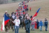 Již druhý protestní pochod se uskutečnil v Kotly u Osečné.Důvodem je spor se státním podnikem Diamo který by zde jistě v budoucnu jednou chtěl těžit uran.